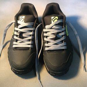 Five ten SAM HILL shoes